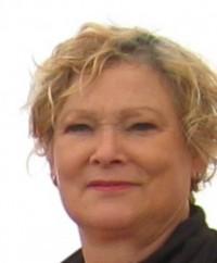 Lucinda De Oliveira(1)